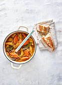 Slow Cooked würziger Wurzelgemüse-Linsen-Eintopf