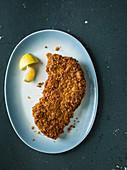 Schweineschnitzel mit Cornflakes-Panade