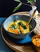 Linsen-Curry mit Süßkartoffel und Kokosmilch