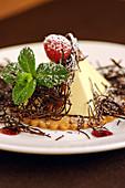 Bayerische Creme mit Himbeere und Schokolade