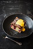 Kirsch-Vanille-Brookie (Brownie mit Cookie-Kruste) mit Eierlikör