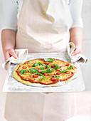 Einfache Pizza Margherita