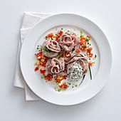 Kalbfleischsäckchen mit Burrata und Anchovis