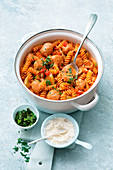 Bell pepper fusilli with sausage (one pot pasta)