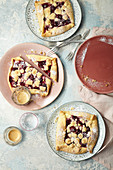 Crumble galettes with cherries