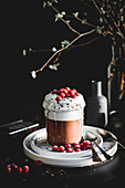 Vegan chocolate pudding with yoghurt and currants