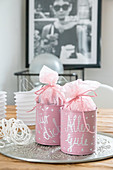 Upcycling: gift packaging made from tin cans