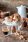 Salted caramel meringue