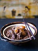 Heißer Topf mit Lamm und Rettich (China)