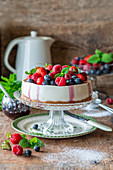 No bake cheesecake with berries