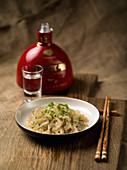 Chinesische Qualle mit Frühlingszwiebeln