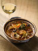 Shuizhu Yu - Heißer Topf mit Fisch und Gemüse in scharfer Brühe (China)