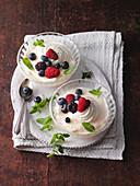 Wine cream with fruits