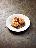 Apple roses in puff pastry