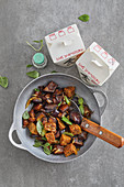 Aubergine tempeh curry with coriander