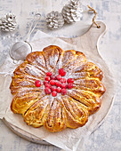 Cinnamon and nut wreath