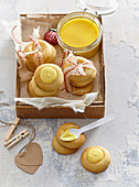 Lemon spread and puff pastry