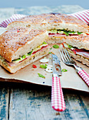 Party bread filled with ham, spring onions and mozzarella