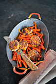 Chili-con-carne meatballs with beer-carrots