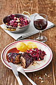 Thuringian red wrap with red cabbage salad