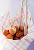 Crispy mozzarella balls