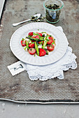 Fruity asparagus salad with strawberries and mozzarella