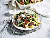 Casarecce mit Lammfleisch und Gemüse (Slow Cooking)