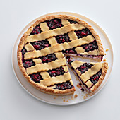 Crostata with ricotta and wild berries
