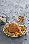Knuspriger Schweinebauch mit Gemüsebeilage zu Weihnachten