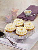Cheesecake ice cream muffins with lemon curd