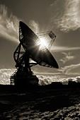 Spacecraft tracking antenna