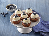 Blueberry muffins with lemon cream