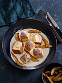 Buns with pears and white chocolate