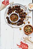 Marinierte Champignonspiesse mit Chimichurri-Salsa