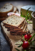 Crispy bread with rosehip seeds