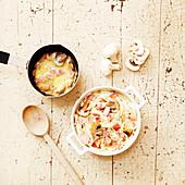 Spaghetti with a creamy mushroom sauce and ham