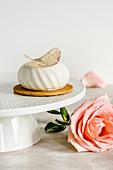Vanilla and white chocolate mousse individual cake