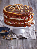Caramel cake with apples