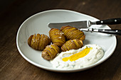 Hasselback potatoes with quark and flax seed oil from the Spreewald