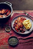 Huhn mit Chorizo, Paprika und Safran-Kartoffelbrei