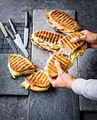 Cubano classico - Schweinebauch-Toasties mit Schinken und Schmelzkäse