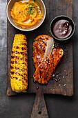 BBQ-Hähnchensteaks mit Corn Cobs aus den Südstaaten