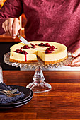 New York cheesecake with shortbread crust