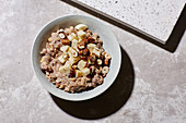 Multi-grain porridge with cocoa and banana