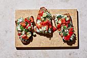 Sattmacher-Brote mit Rucola-Frischkäse und Gemüse