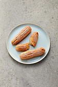Eclairs with vanilla cream (sugar-free)