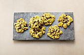 Pistachio crumble cookies (sugar-free)