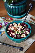 White bean salad with beets