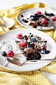 Baked Oats with Flax Seeds, Pecans and Berries
