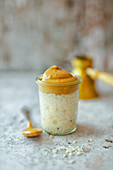 Dalgona rice pudding with vanilla and espresso cream